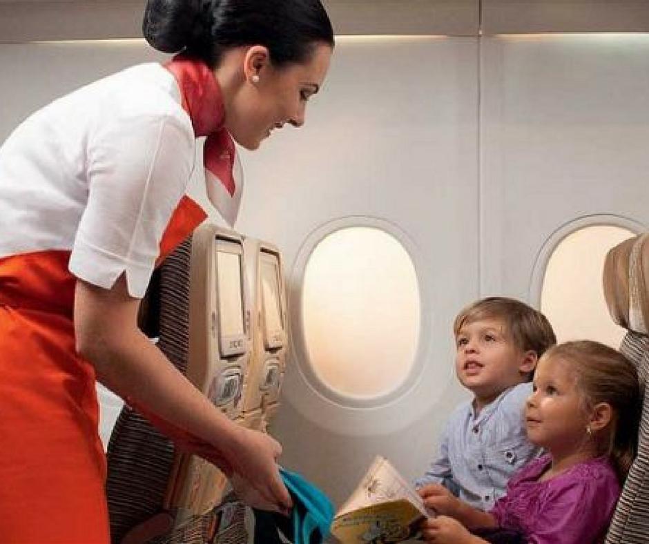 babá de avião